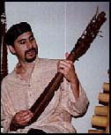 Kimo playing the Kercapi